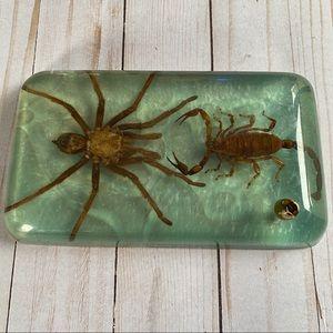 Vintage resin tarantula & scorpion pen holder